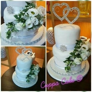 White and Sliver Wedding Cake
